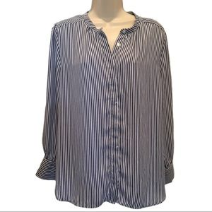 Jules & Leopold blue & white easy care top. M